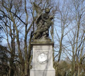 Kriegerdenkmäler / Gefallenentafeln